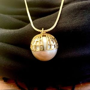 Jewelry - Mother of Pearl Vintage Oversized Pearl Necklace